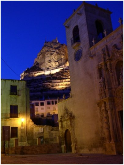 Espanja Costa Blanca Alicante Santa Marian kirkko ja Santa Barbaran linnoitus