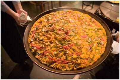 espanjalainen ruoka espanjalaista paellaa