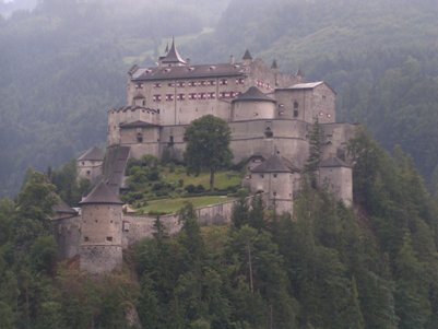 Hohenwerfen linna - It�vallan Alpit