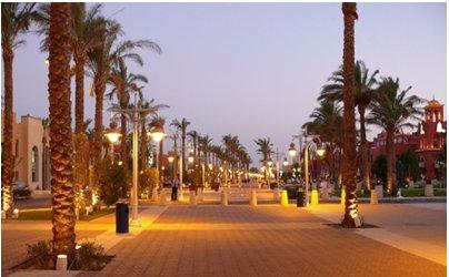 Egypti Hurghada matka - Hurghadan kävelykatu yöllä