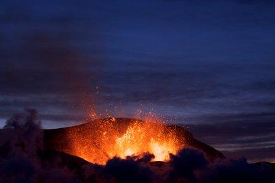 valokuva Islannin Eyjafjallajökull tulivuoren purkaus maaliskuussa 2010