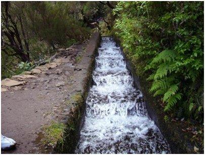 Madeira kuvia - Levada kastelukanava