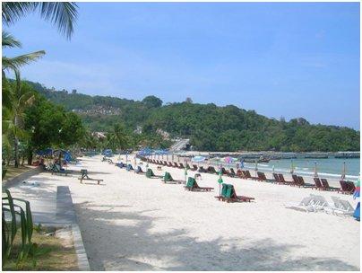 Patong Beach hiekkaranta kuva Phuket Thaimaa uimaranta loma matka