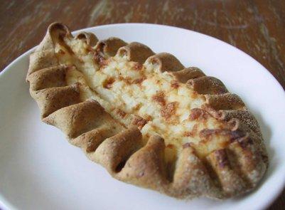 perinteinen suomalainen karjalanpiirakka suomalainen ruoka keittiö