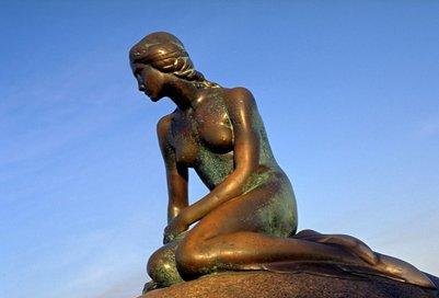 pieni merenneito patsas kööpenhamina tanska matka kuva